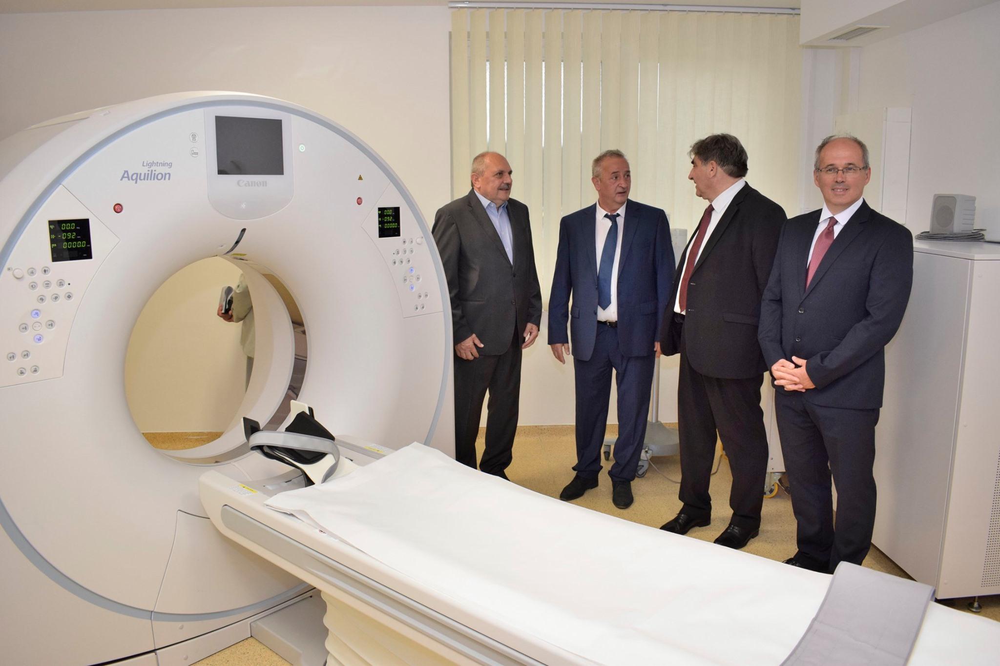 Új CT-t adtak át a balassagyarmati kórházban