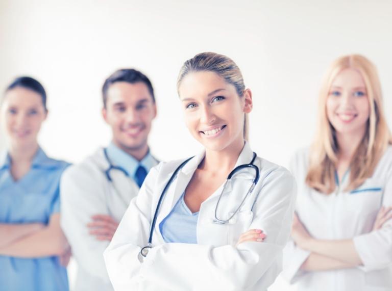 Csaknem 700 orvost jelöltek az orvosi díjra