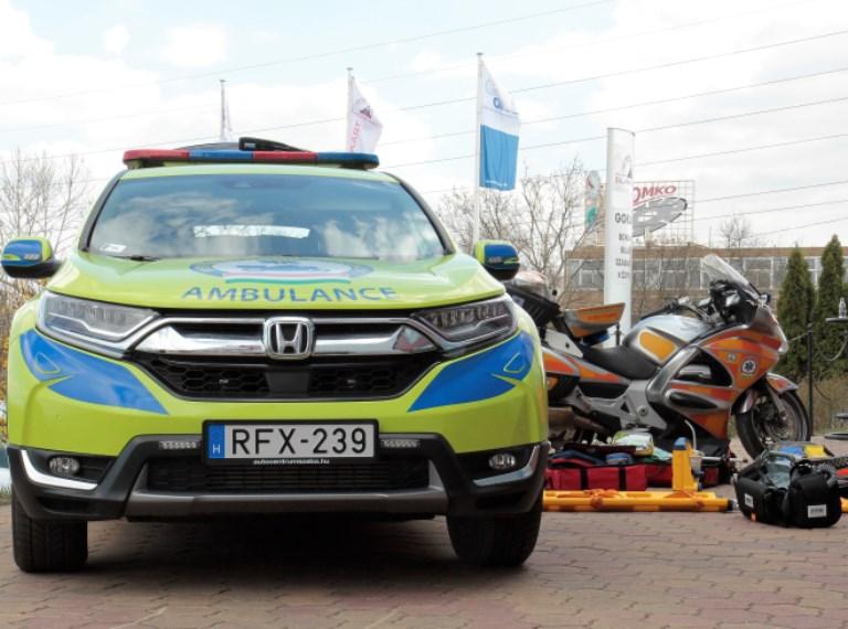 Miért ültek négy kerékre a motoros mentők?